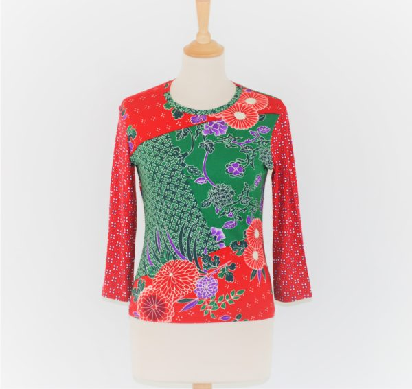 tee-shirt rouge et vert taille XS